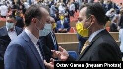 Premieru Florin Cîțu vrea să preia președinția PNL la congresul din 25 septembrie. Foto: Florin Cîțu și președintele PNL, Ludovic Orban, la Consiliul National al partidului, 30 mai 2021.