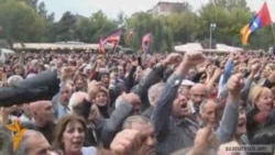 Armenian Opposition Opts For 'Nonstop Rallies'