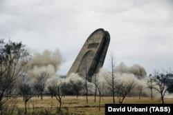 The concrete base of Kutaisi's World War II memorial being demolished in December 2009