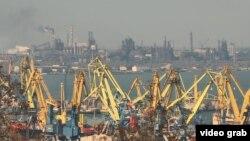 Краны Мариупольского морского торгового порта