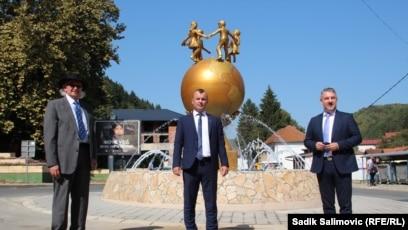 Spomenik mira u Srebrenici, otvorio je načelnik opštine Mladen Grujčić