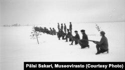 Тренировки карельских лесных партизан в деревне Кимасозеро, 1921-1922 гг