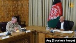 دیدار اشرف غنی و جنرال فرانک مکنزی در ارگ ریاست جمهوری افغانستان