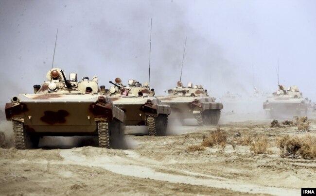 نمونهای از نفربرهای BMP1 که نیروی زمینی ارتش به بیرجند و مناطق مرزی با ولایت فراه اعزام کرده است