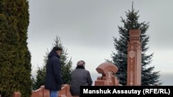 Алтынбек Сарсенбаевдин мүрзөсү. Алматы, 11-февраль 2021-жыл