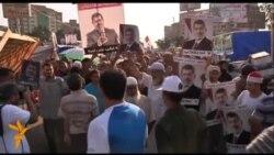 Демонстранти у столиці Єгипту Каїрі не бажають розходитися