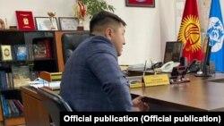 Чынасыл Чыныбаев в своем рабочем кабинете. Февраль 2021 года.