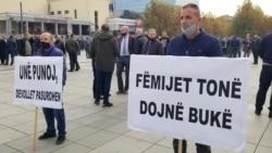 Punëtorët e Telekomit protestojnë për paga