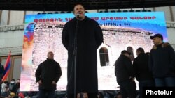 Armenia -- Prosperous Armenia Party leader Gagik Tsarukian speaks at an opposition rally in Yerevan, February 20, 2021.