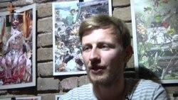 Українці намагаються довести свій статус дорогими речима - Логвиненко