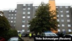 Policija ispred zgrade na zapadu Njemačke gdje su pronađena tijela petero djece