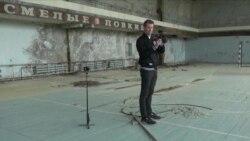Селфи на фоне реактора: кто зарабатывает на турах в Чернобыль?