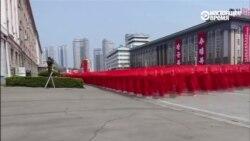 Одна минута из жизни Северной Кореи по версии государственного телеканала (видео)