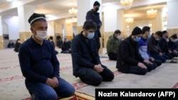 В соборной мечети Душанбе