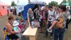Refugiați din Ucraina trec frontiera în Rusia