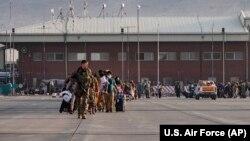 Кабул әуежайы. 24 тамыз 2021 жыл.