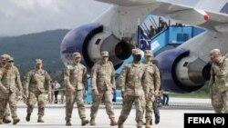 Na sarajevskom aerodromu upriličen je svečani doček za američke vojnike