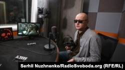 Андрій Хливнюк у студії Радіо Крим.Реалії
