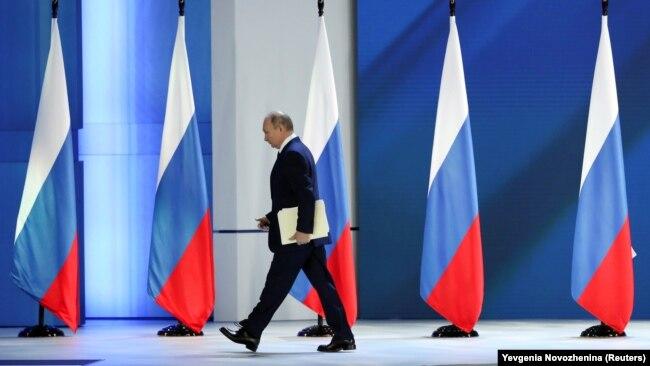 Володимир Путін після виступу перед Федеральними зборами. У своєму посланні він не згадав про Україну і не пояснив російські маневри біля українського кордону