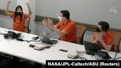 Echipa NASA la finalul zborului reușit de Ingenuity. California, 19 aprilie 2021. (Captură video)