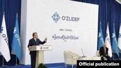 Президент Шавкат Мирзиёев. ЎзЛиДеп расмий сайтидан олинган сурат.
