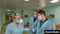 Новым министром здравоохранения стала Анастасия Крутень (слева)