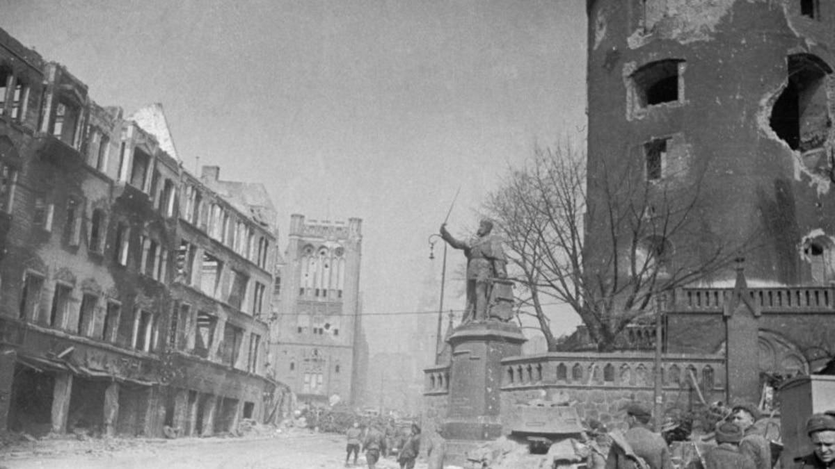 «Сначала мы все работали вместе»: на семьдесят пятой годовщине россияне вспоминают аннексию Калининграда