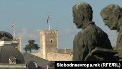 Споменици во Скопје