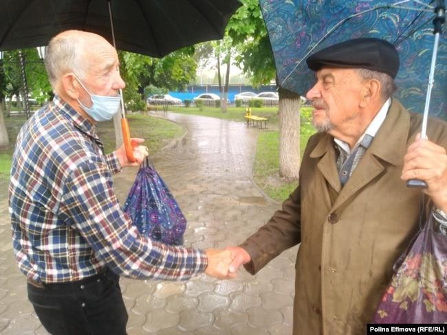 Свидетели расстрела рабочих в Новочеркасске в 1962 году – Юрий Антонов (слева) и Борис Гаврилов (справа)