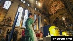 Catedrala din Salisbury a fost transformată în centru temporar de vaccinare anti Covid-19, Marea Britanie, 17 ianuarie 2021