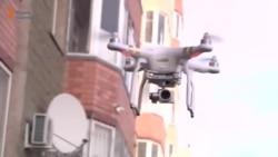 Предприниматель с дроном