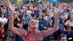 Prema podacima Pew istraživačkog centra 17 posto punoljetnih Amerikanaca se identifikuje kao bijeli evanđelisti.
