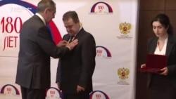Lavrov odlikuje Dačića