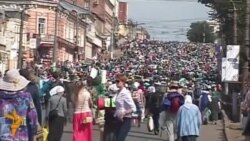Світ у відео: Російські паломники молилися за «пом'якшення жорстоких сердець» в Україні