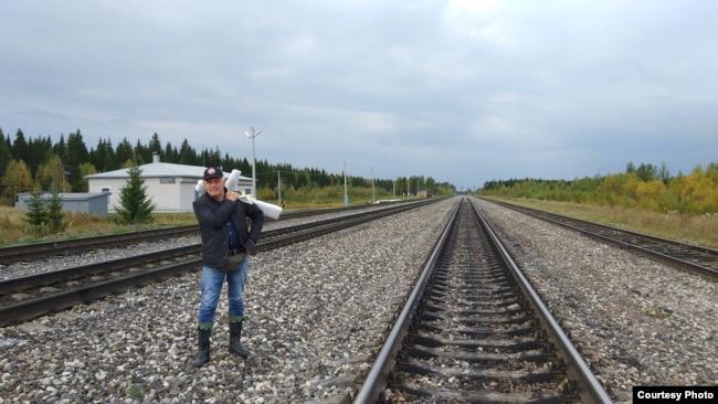 Евгений Зудерман в поисках места захоронения своего отца