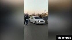 Скриншот с видео, распространившегося в Интернете. Бишкек, 11 апреля 2021 г.