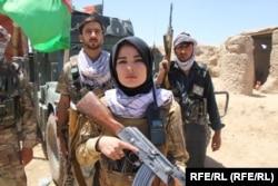 Ezek a Dzsavzdzsan tartományban élő nők fegyvert fogtak a tálibok ellen. Szerintük húsz év alatt elért eredményeik a semmibe vesznek, ha a fundamentalisták kerülnek hatalomra. A kép 2021. június 25-én készült