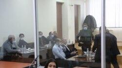 Քոչարյանի և մյուսների գործով նիստը վերածվեց վիճաբանության նրանց և դատախազի միջև