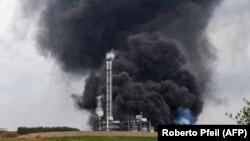 Експлозија во комплекс хемиски фабрики во Леверкузен