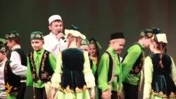 Казанда күрмәүче, ишетмәүчеләргә татарча ярдәм концерты үтте