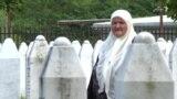 Модари Меҳрудин 25 сол аст, боқимондаҳои ҷасади писарашро меҷӯяд