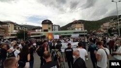 Протест во Тетово на кој роднини на загинатите во пожарот во модуларната ковид болница бараа побрзо да се реши случајот, 17 септември 2021