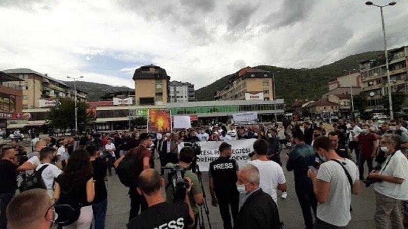 Двајца приведени демонстранти, четворица полицајци повредени на протестот во Тетово