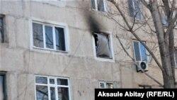 Окна квартиры, в которой погибли пять детей из одной семьи.