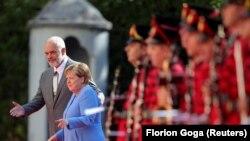 Германската канцеларка Ангела Меркел и албанскиот премиер Еди Рама во Тирана, 14 септември 2021