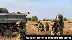 Російські військові в Брестській області Білорусі неподалік кордону з Україною, військові навчання «Захід-2021»., 11 вересня 2021 року
