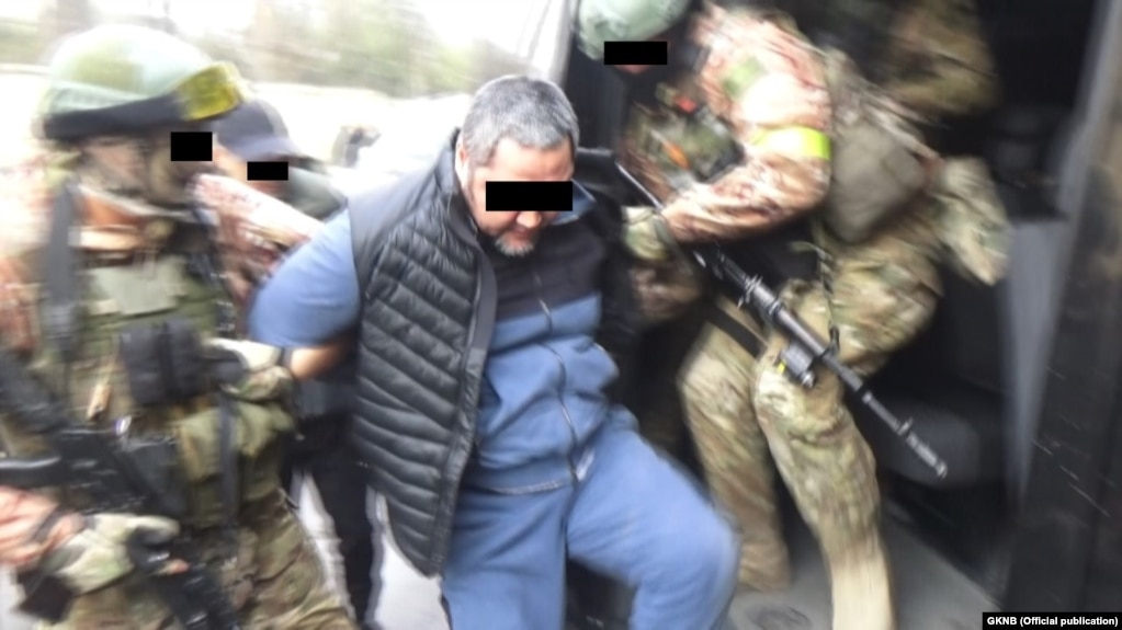 Задержание Дженго. Фото ГКНБ.