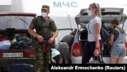 На пункте пропуска боевиков «Еленовка», 25 июня 2020 года