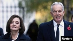 Šeri Bler (levo) je supruga bivšeg britanskog premijera Tonija Blera (desno), Velika Britanija (2019.)