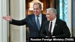 Міністри закордонних справ Росії Сергій Лавров (л) та Ізраїлю Яір Лапід на зустрічі в Москві, 9 вересня 2021 року